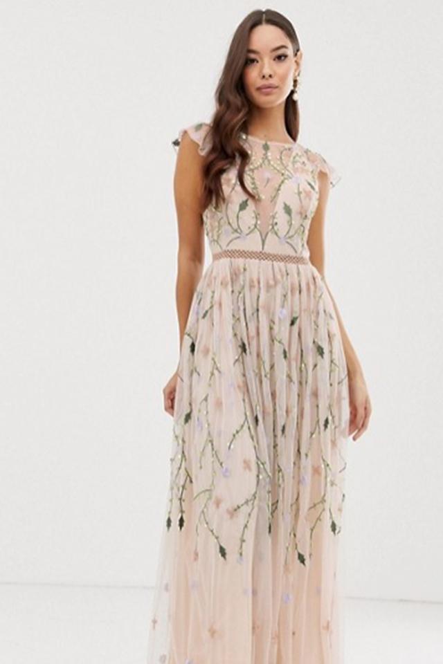 ASOS DESIGN – Hübsches Netzstoffmaxikleid mit Blumenstickerei und Pailletten