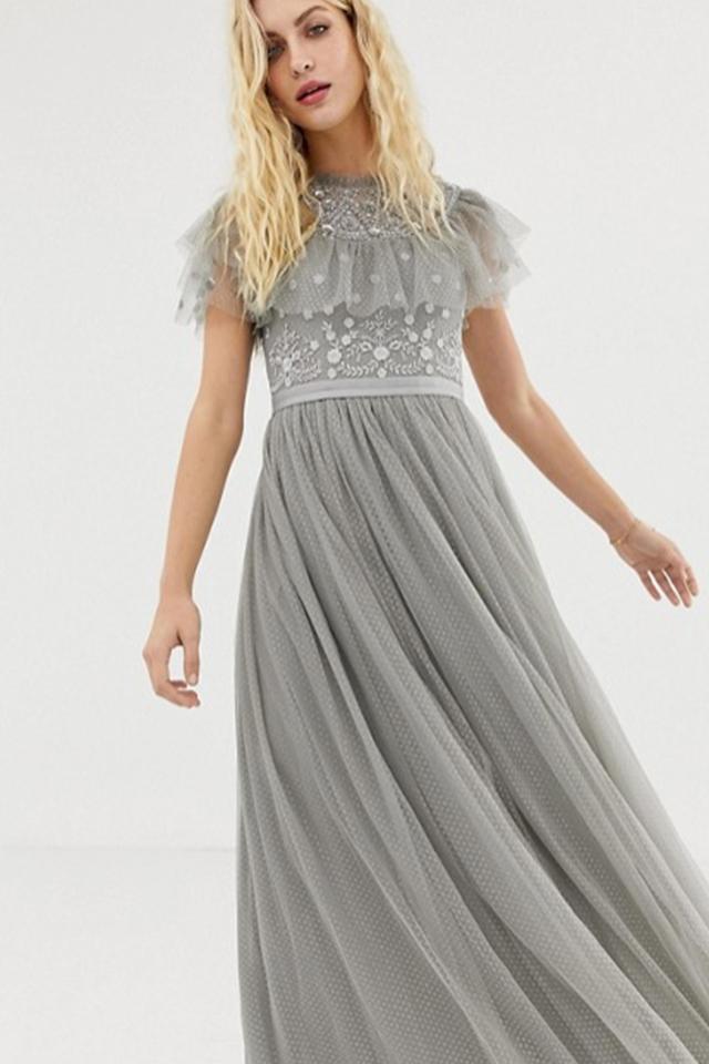 Needle & Thread – Aschgraues Kleid aus Tüll mit besticktem Oberteil